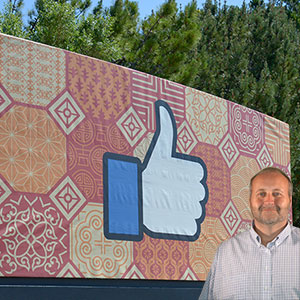 Facebook like hand with Mike Bindrup