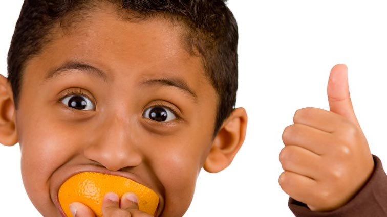 eating orange