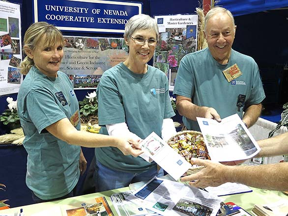 Master Gardeners at tabling event